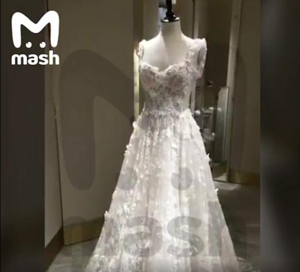 В Сети опубликовали видео, на котором якобы запечатлено свадебное платье Ксении Собчак. Фото скриншот видео телеграм-канала Mash