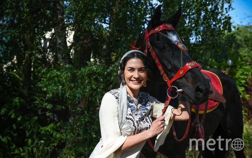 """Ради роли Виктория Полторак научилась кататься на лошади. Фото предоставлено пресс-службой телеканала , """"Metro"""""""