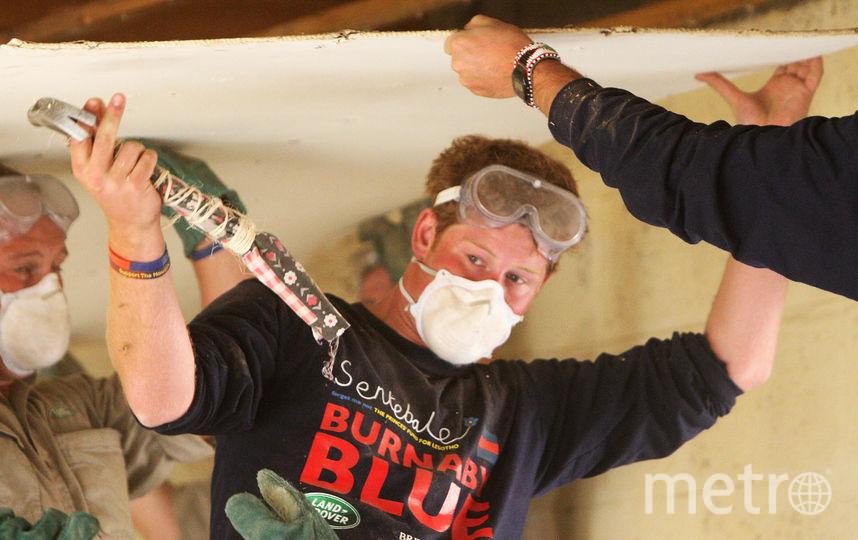 Принц Гарри помогает восстанавливать школу для детей в Лесото, 2008 год. Фото Getty