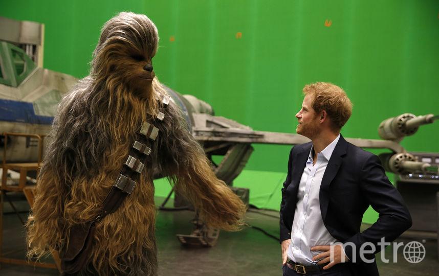 """Принц Гарри на съёмочной площадке фильма """"Звездные войны: Последние джедаи"""", 2016 год. Фото Getty"""