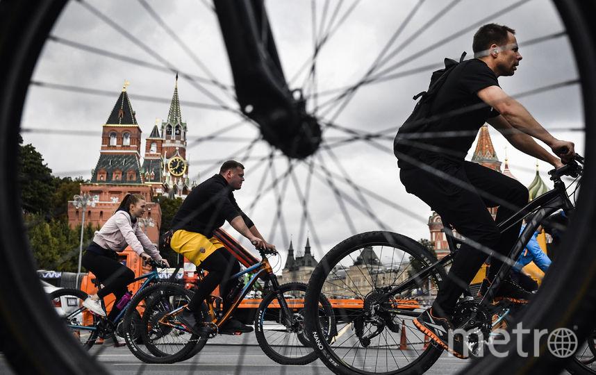 Горожане проехали 24 километра по центру Москвы. Фото AFP