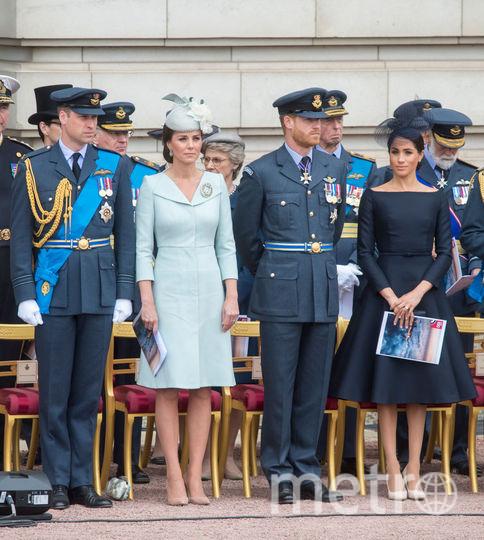Принц Уильям и принц Гарри с супругами. Фото архив, Getty