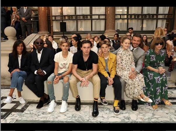Семья Бекхэм и другие на показе. Фото скриншот instagram.com/victoriabeckham/?hl=ru