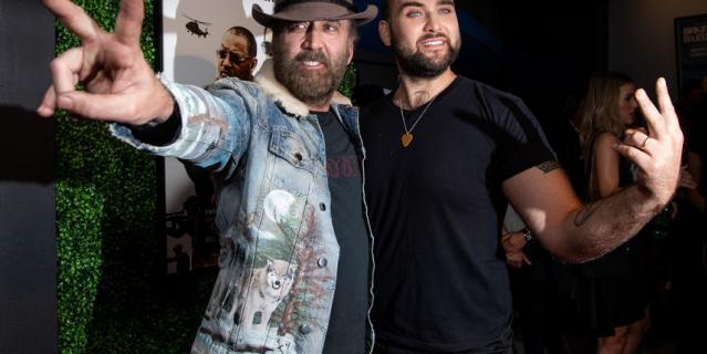Николас Кейдж и Вестон Коппола Кейдж на премьере фильма.