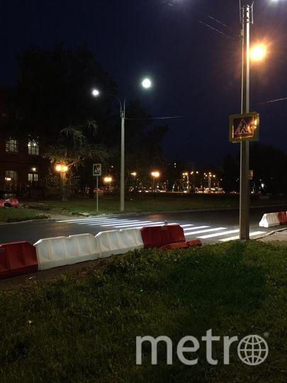 """Умные фонари установили у здания спортивной школы """"Энергия"""". Фото Ленсвет, """"Metro"""""""