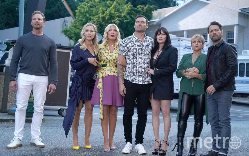 """Любимые актеры """"Беверли-Хиллз 90210"""", навсегда изменившего наше представление о молодежных сериалах, вернулись. Фото ivi.ru"""