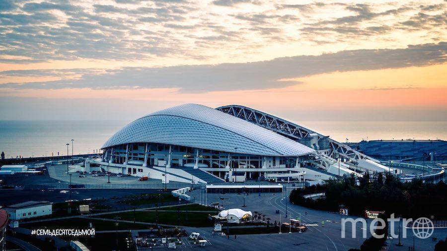 """Стадион """"Фишт"""" в Сочи. Фото Телеграм-канал #СемьдесятСедьмой"""