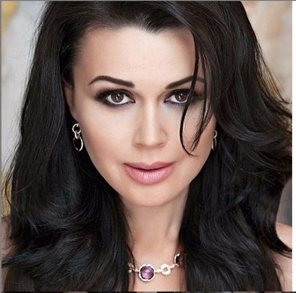 "Анастасия Заворотнюк. Фото соцсети, ""Metro"""