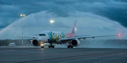 Новейший Airbus A350 впервые прилетел в Пулково: фото