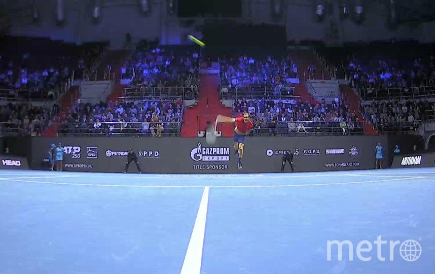 Даниил Медведев вышел в четвертьфинал. Фото Скриншот tv.spbopen.ru