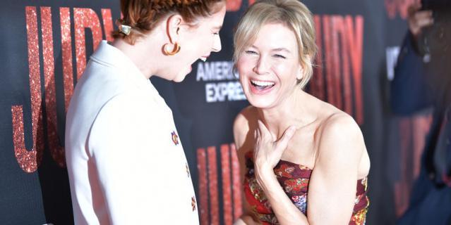 """Премьера фильма """"Джуди"""". Рене Зеллвегер и Джесси Бакли."""