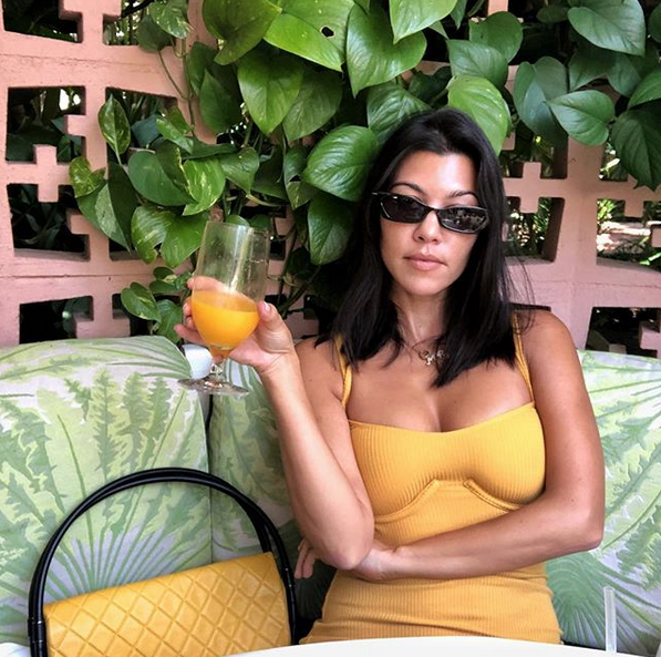 Кортни Кардашьян. Фото скриншот: instagram.com/kourtneykardash/