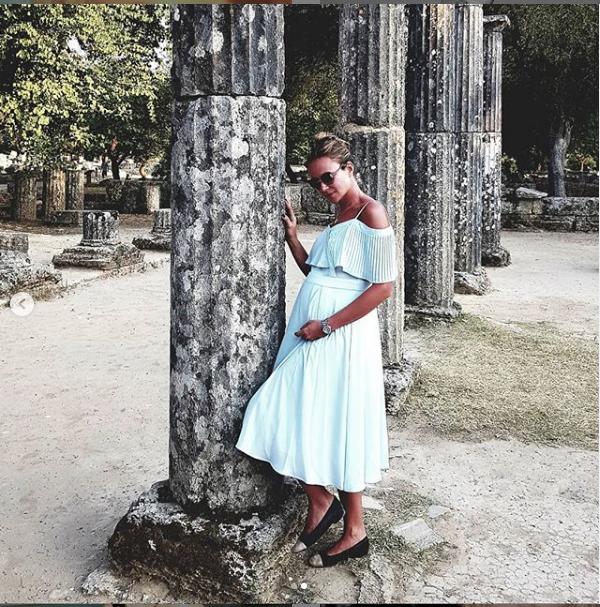 """Мария Миронова сейчас живет на Санторини. Фото https://www.instagram.com/bhasha05/, """"Metro"""""""