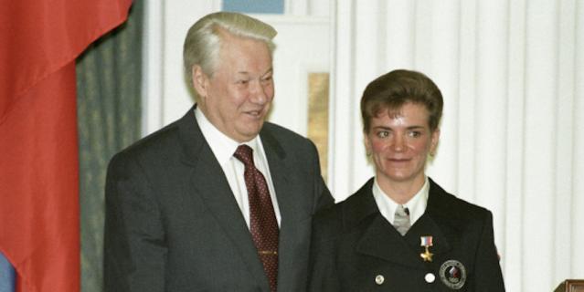 Лариса Лазутина на приёме в Кремле у Бориса Ельцина.