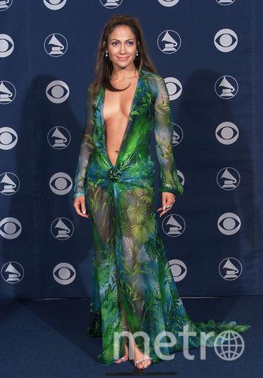 """Первый раз культовое зелёное платье Дженнифер Лорпес надела на церемонию вручения премии """"Грэмми"""" в 2000-м году. Фото Getty"""
