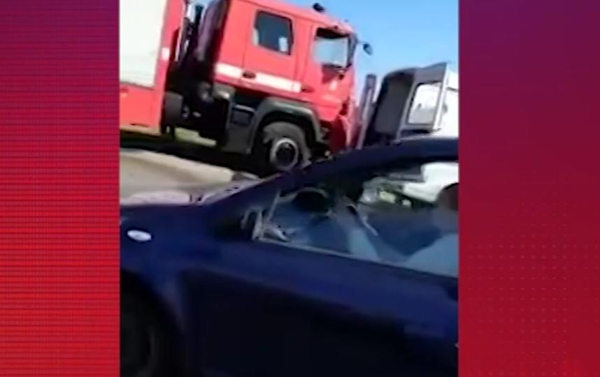 Видео с места смертельного ДТП: переполненная маршрутка столкнулась с грузовиком. Фото скриншот видео https://www.5-tv.ru/
