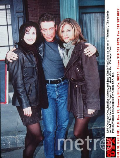 Кортни Кокс, Жан-Клод Ван Дамм и Дженнифер Энистон, 1996 год. Фото Getty