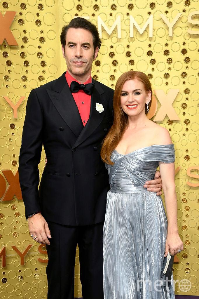 71st Emmy Awards.71st Emmy Awards. Саша Барон Коэн и Айла Фишер. Фото Getty