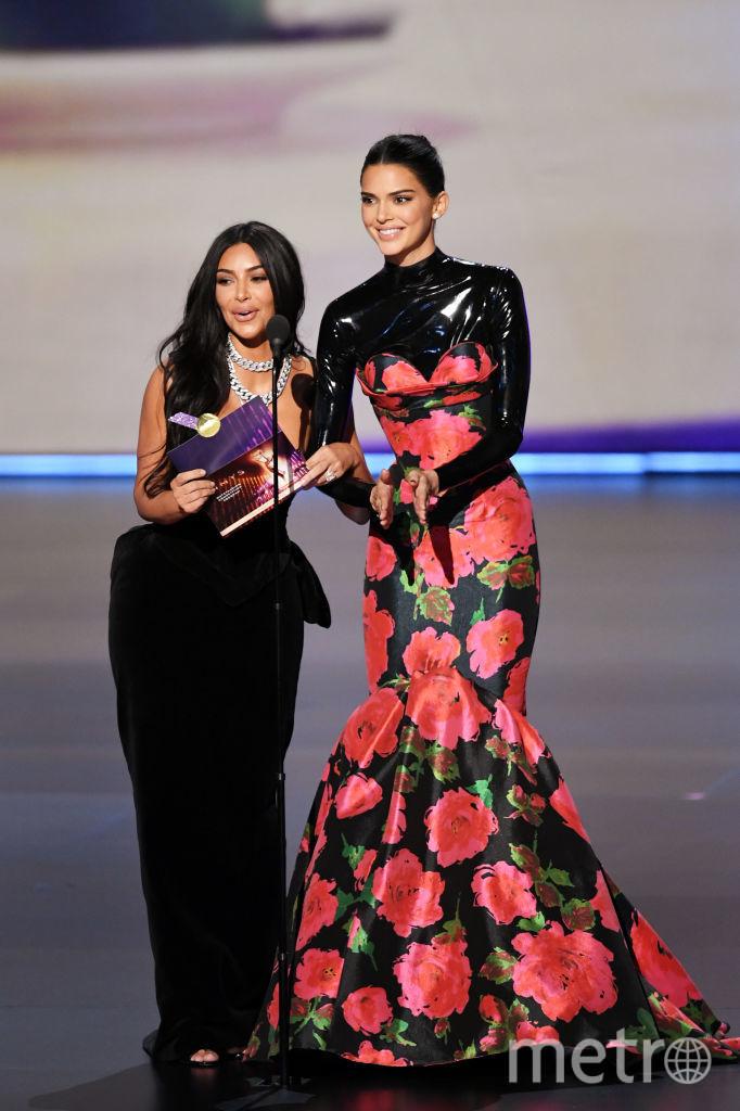 71st Emmy Awards. Ким Кардашьян и Кендалл Дженнер. Фото Getty