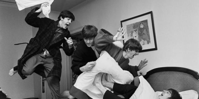 """Битва подушками"", 1964. Благодаря этой съёмке Гарри Бенсон отправился с ""Битлз"" в тур по США."
