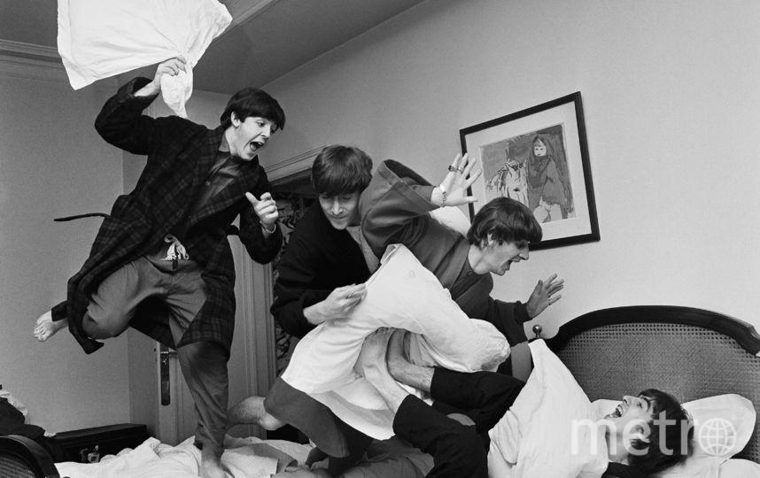 """Битва подушками"", 1964. Благодаря этой съёмке Гарри Бенсон отправился с ""Битлз"" в тур по США. Фото Предоставлено организаторами"