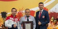 Отец бойца Хабиба Нурмагомедова внесён в Книгу рекордов России