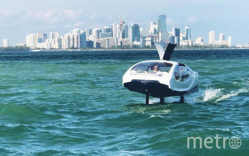 На скорости 12 км/ч транспортное средство начинает взлетать над водой, тем самым уберегая пассажиров от качки. Фото Seabubbles