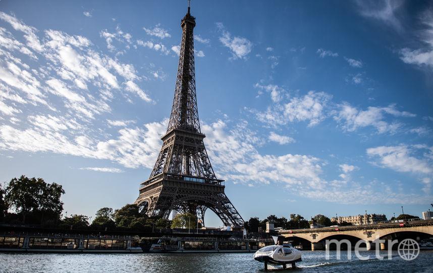На Сене провели успешный тестовый запуск такси SeaBubbles. Фото AFP