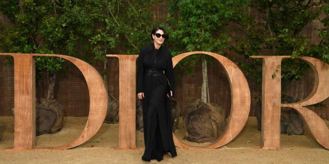 Моника Беллуччи на Неделе моды в Париже.