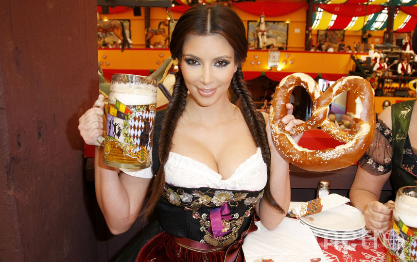 "Ким Кардашьян на ""Октоберфесте - 2010"". Фото Getty"