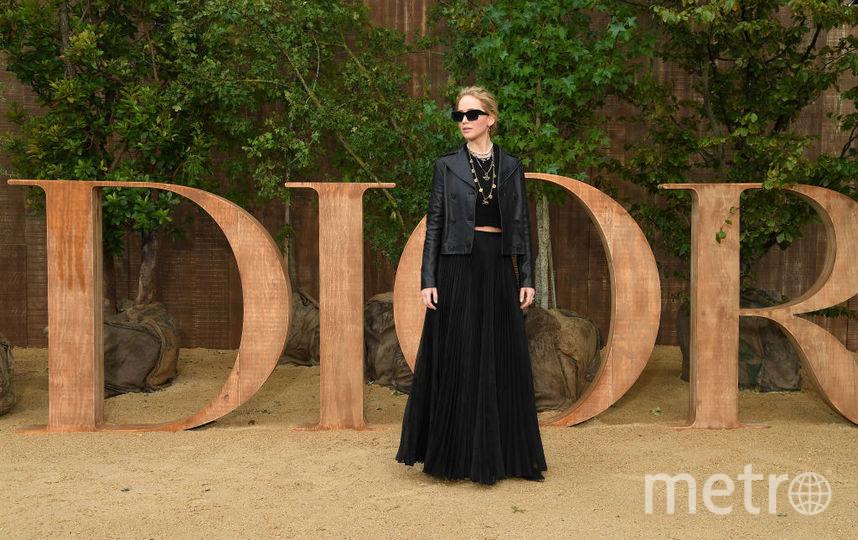 Показ Dior на Неделе моды в Париже. Дженнифер Лоуренс. Фото Getty