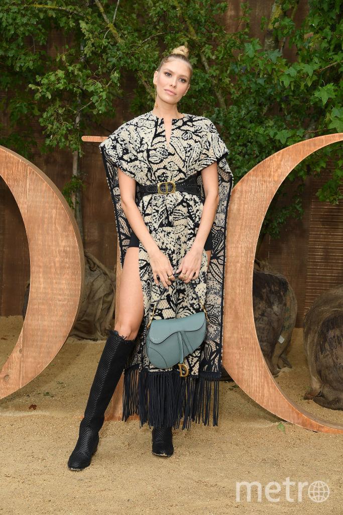 Показ Dior на Неделе моды в Париже. Лена Перминова. Фото Getty