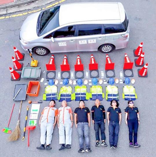 Работники аэропорта Тайвань-Таоюань присоединились к флэшмобу. Фото скриншот https://www.instagram.com/taoyuanairport/