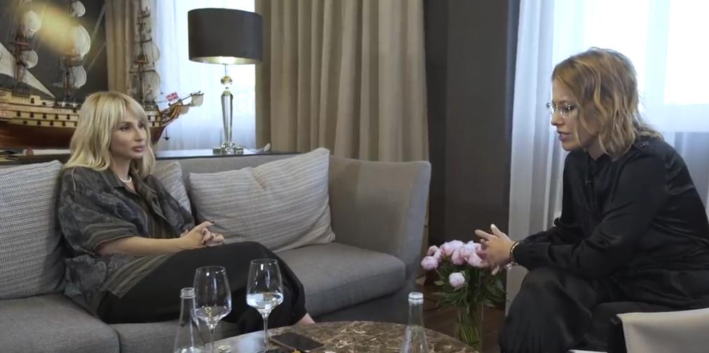 """Кадры интервью """"Осторожно, Собчак"""" с участием Светланы Лободы. Фото Все - скриншот YouTube, """"Metro"""""""