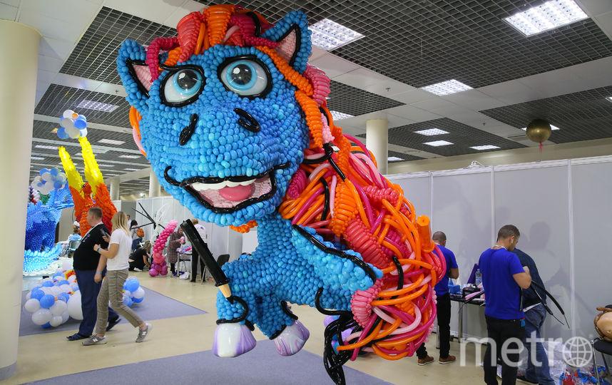 «Я художник – я так вижу!» Этот дракон – детский, добродушный. Фото Василий Кузьмичёнок