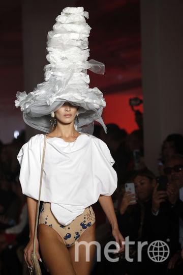 Белла Хадид на Неделе моды в Париже. Фото Getty