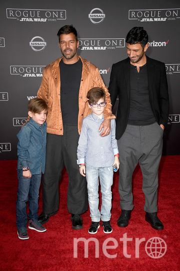Рики Мартин, Джван Йосеф и близнецы Валентино и Маттео. Фото Getty