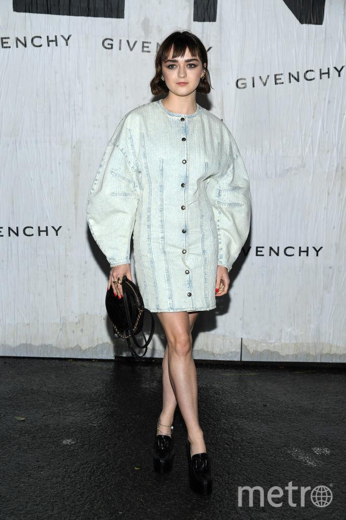 Показ Givenchy на Неделе моды в Париже. Мейси Уильямс. Фото Getty