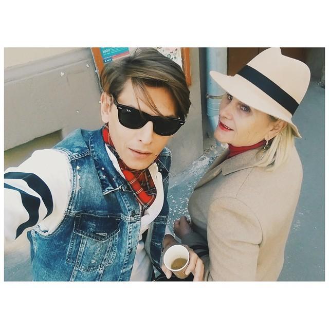 Татьяна всегда одевала детей  необычно и могла часами стоять  в очереди за классной курткой для них. Фото  instagram vladislavlisovets