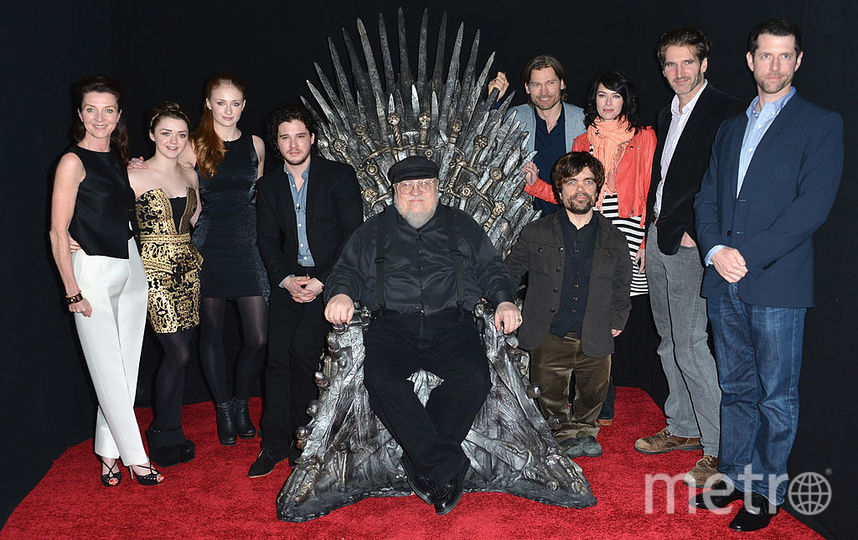 Джордж Р.Р. Мартин и актёры сериала. Фото Getty