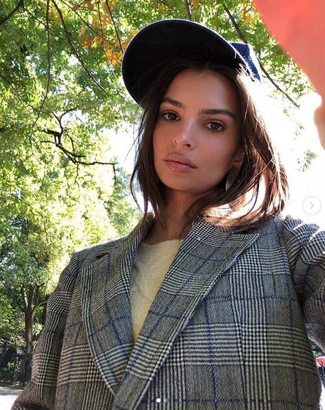 Популярная супермодель Эмили Ратаковски. Фото скриншот: instagram.com/emrata/