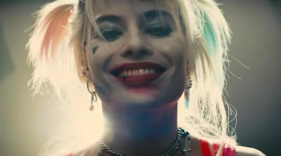 В роли злодейки Марго выглядит по-прежнему круто. Фото Скриншот https://www.youtube.com/watch?v=Zb54LZerPQA, Скриншот Youtube