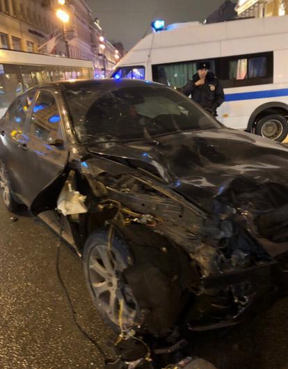 """Трагедия произошла в феврале: водитель на иномарке сбил пятерых пешеходов, которые разлетелись """" как кегли"""". Фото скриншот https://vk.com/spb_today"""