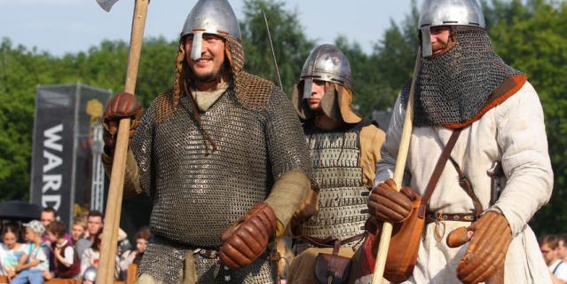 Средневековый бал-маскарад.