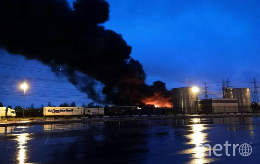 "Фото пожара в Петро-Славянке. Фото ДТП/ЧП, ""Metro"""