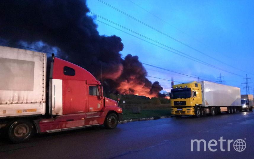 """Фото пожара в Петро-Славянке. Фото """"Metro"""""""