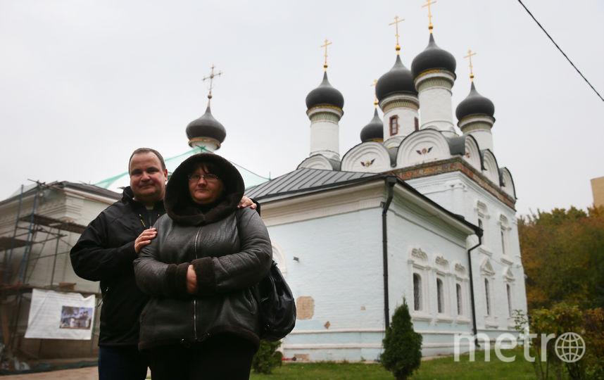 Дмитрий и Ольга перед каждым путешествием обязательно заезжают в церковь Покрова Пресвятой Богородицы в Братцеве. Фото Василий Кузьмичёнок