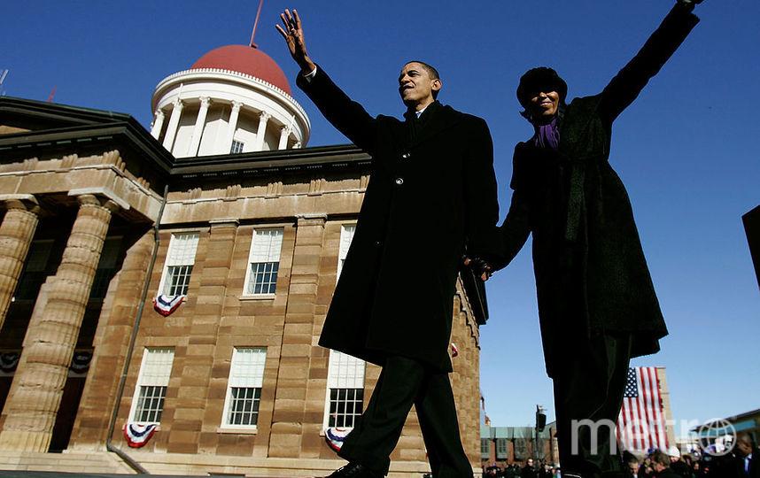 Барак и Мишель Обама всегда были нежны друг к другу на публике. Фото Getty
