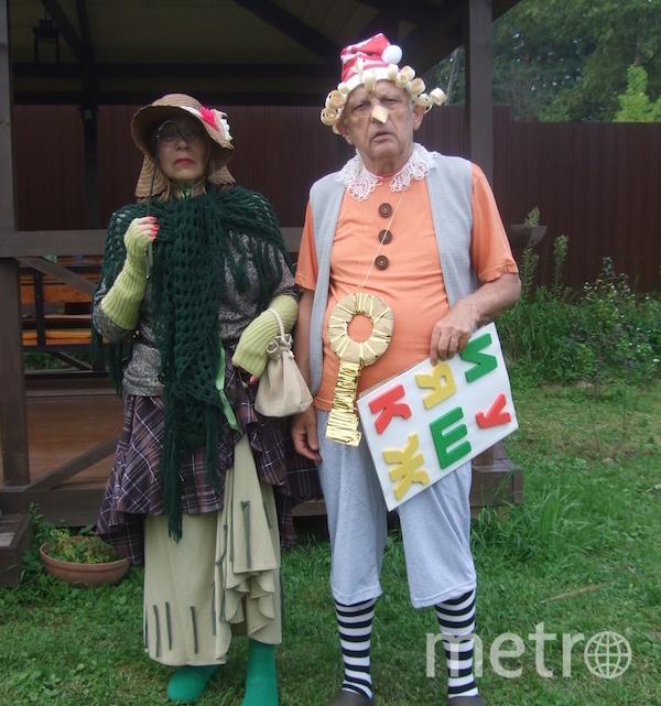 """Я тебе не дедушка, я – Буратино, а рядом не бабушка, а Тортилла"". Фото Эрнест (81 год), Марина (73 года), ""Metro"""