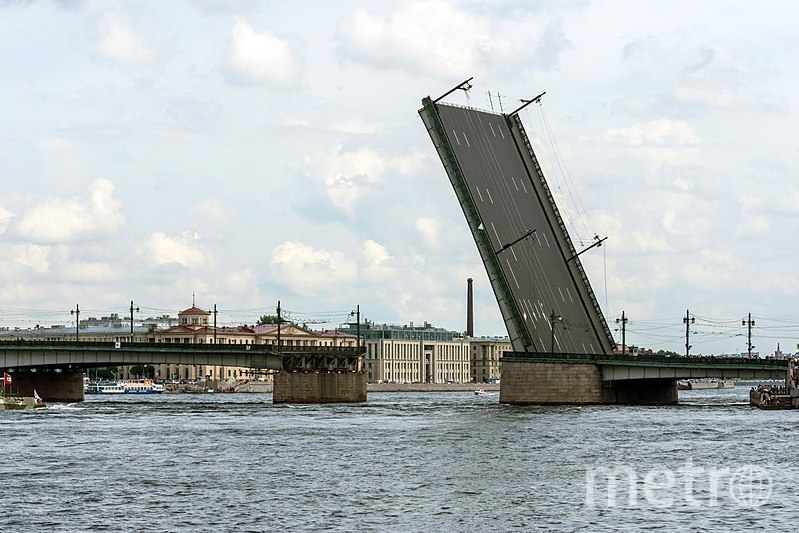 "Литейный мост. Фото Alex 'Florstein' Fedorov/wikipedia, ""Metro"""